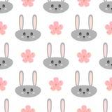 Lustiges graues Hauptkaninchen und rosa Blumen Nahtloses Muster der Karikatur für Kinder Stockbild