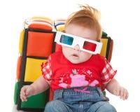 Lustiges Kleinkind mit stereoskopischen Gläsern Lizenzfreies Stockbild