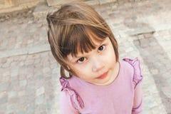 Lustiges nettes kaukasisches blondes Baby Stockfotografie