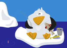 Lustiges Pinguinfischen auf Eis Stockbild