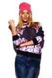 Lustiges stilvolles vorbildliches Mädchen im zufälligen modernen Hippie-Stoff Stockfotos