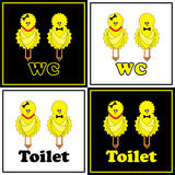 Lustiges WC mit Huhn Stockfoto