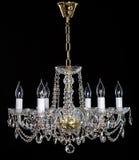 Lustre en cristal élégant de strass avec six lampes photo libre de droits