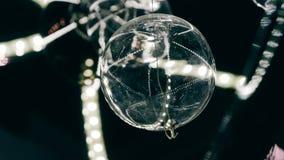 Lustre moderne de concepteur Conception moderne et conception d'éclairage de la salle Conception de lumière et d'espace Unfocused Images libres de droits
