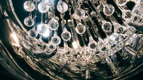 Lustre moderne de concepteur Conception moderne et conception d'éclairage de la salle Conception de lumière et d'espace Unfocused Photographie stock libre de droits