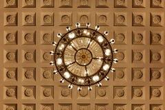 Lustre sur le plafond decoarted image libre de droits