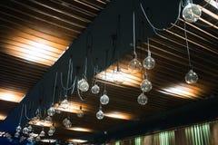 Lustres classiques sur les lumières d'intérieur de plafond Photo libre de droits