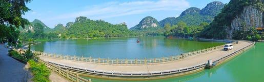 lustrzana jezioro panorama Zdjęcie Stock