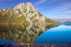 Lustrzana woda jezioro Zdjęcie Stock