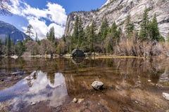 Lustrzany Jeziorny Yosemite park narodowy zdjęcie royalty free