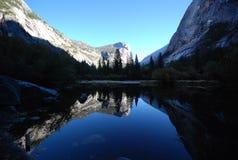 Lustrzany jezioro zdjęcia royalty free
