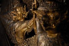 Luta de Garuda a serpente Fotos de Stock Royalty Free