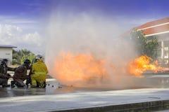 Luta dos sapadores-bombeiros Imagem de Stock
