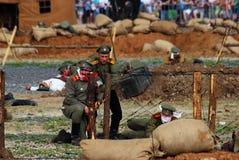 Luta dos soldados do russo no campo de batalha Imagem de Stock Royalty Free