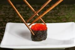 Luta para o último sushi fotos de stock royalty free
