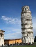 luta pisa s torn för 2 arkivfoton