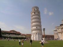 luta pisa torn fotografering för bildbyråer