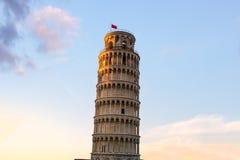 Luta stå hög av Pisa, Italien Royaltyfria Foton