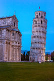 Luta stå hög av Pisa, Italien Royaltyfri Fotografi