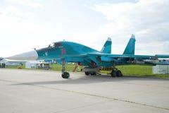 Lutador-bombardeiro multifuncional Su-32 do russo no airshow MAKS-2017 Fotografia de Stock