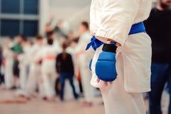 Lutador do azul do jiu-jitsu fotografia de stock royalty free