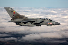 Lutadores de jato de 41RTES, Royal Air Force de RAF Typhoon e do furacão, sobre o campo inglês Fotos de Stock