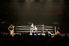 Lutadores Karl Anderson e Luke Gallows de WWE contra as USO em rin fotografia de stock royalty free