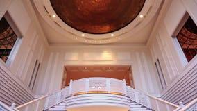 Lutande sköt ner av inre sikt av hotellet Amar Villas, Agra, Uttar Pradesh, Indien arkivfilmer