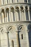 Lutande torn av Pisa Arkivfoton