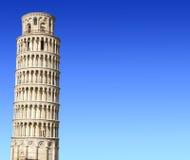 Lutande torn av Pisa Royaltyfria Bilder
