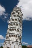 Lutande torn av Pisa, Italien Royaltyfri Bild
