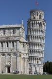 Lutande torn av Pisa - Pisa - Italien Royaltyfri Foto