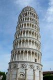 Lutande torn i Pisa i Italien Fotografering för Bildbyråer