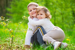 Lute little brother and sister at forest Royalty Free Stock Photography