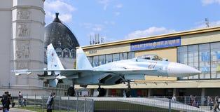 Lute o lutador militar Su-27 do russo dos aviões de combate em Moscou Fotos de Stock
