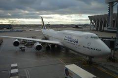 Luthansa飞机在法兰克福国际机场, 2016年12月11日的德国 图库摄影