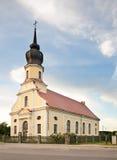 Lutherankyrka i Kekava latvia Royaltyfri Bild
