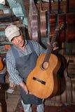 Luthier w Paracho Meksyk Zdjęcie Royalty Free