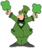 Lutin irlandais supportant deux trèfles verts géants illustration de vecteur