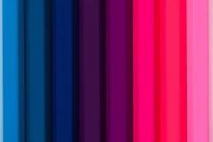 Lutning från färgblyertspennor arkivbild