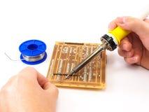 Lutować elektroniki deskę Zdjęcia Stock