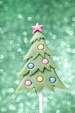 Lutscher in der Weihnachtsbaumform Lizenzfreie Stockfotos