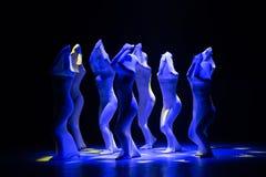 """Lutte-homme droit dans un  de shelter†de dance""""No du ` s d'ensemble-Huang Mingliang Images libres de droits"""