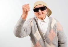 Lutter frais de grand-maman pour son droit Photographie stock libre de droits