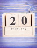 Luty 20th Data 20 Luty na drewnianym sześcianu kalendarzu Zdjęcie Stock