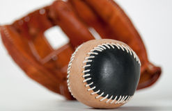 Luva de beisebol com bola Fotografia de Stock