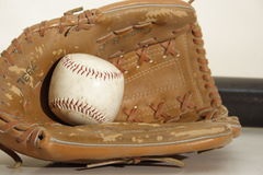 Luva do basebol do vintage imagem de stock royalty free