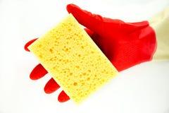 Luvas de borracha da limpeza com esponja Imagem de Stock Royalty Free