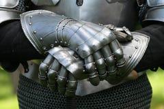 Luvas de um cavaleiro imagens de stock