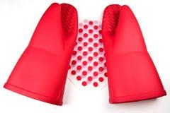 Luvas e trivets do silicone imagem de stock royalty free